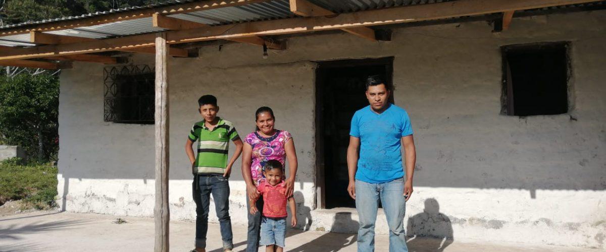 honduras coffee farmer hector carmelinda dominguez