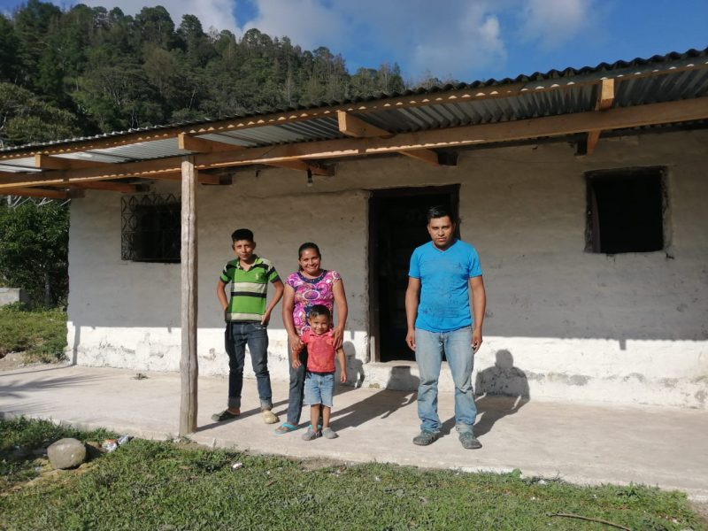 honduras coffee farmer hector carmelinda dominguez
